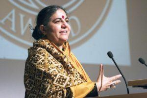 Dr. Vandana Shiva - Physikerin, Navdanyia, Unterstützer der Gen-ethischen Stiftung